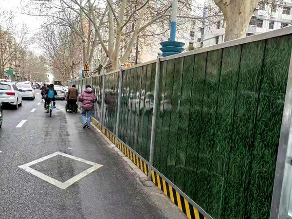 郑州施工围挡绿色环保设计有什么意义?